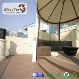 Decking en bois résistant UV bon marché de WPC Sun pour le plancher