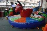 Guida gonfiabile del Bull del parco di divertimenti da vendere