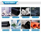 Le PVC siffle la matière première pure faite de pipes d'évacuation de PVC-U