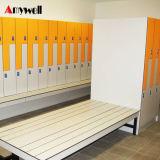 Stratifié Compact fait sur mesure salle de gym de casiers et des bancs