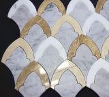 Azulejo de mosaico nacarado del shell del mosaico de piedra de mármol blanco de Carrara de la dimensión de una variable de la flor