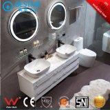 Foshan Fabricação Banheiro vaidades armário de madeira maciça com luz LED de X7091