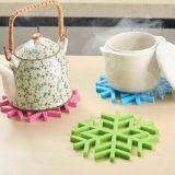 Couvre-tapis anti-calorique Shaped de fleur de neige de silicones de vaisselle de cuisine