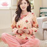 Comercio al por mayor comodidad de franela caliente Albornoz dormir, dormir pijamas de lana Coral