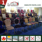 Stühle und Tische für Hochzeit und Bankett