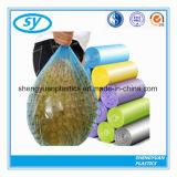 Sacs de détritus en plastique respectueux de l'environnement de LDPE sur le roulis