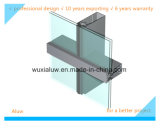 Le bâti a supporté le mur rideau en verre