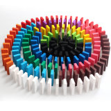 Los dominós coloreados aduana, desconciertan los juguetes de madera