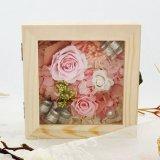 熱い販売法の新しい結婚式のための2017年のギフトのUnfading維持された花のローズのギフト用の箱