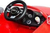Conduite autorisée par RS d'Audi TTT sur le jouet de véhicule pour des gosses