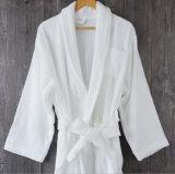星のホテルのための100%年の綿のテリーEmbrodieryのバスローブ