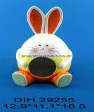 イースターのウサギの陶磁器のクッキーのホールダー