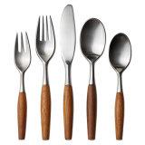 Jeu matériel respectueux de l'environnement de couverts de caractéristique et en métal