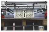 2 couleurs sur les deux machines d'impression automatique latérales pour le livre Compositiom