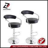 熱い販売の調節可能な旋回装置PUの革バースツールの高い椅子