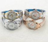 Montre en cristal de chaîne de l'acier inoxydable des femmes de luxe avec le mouvement de quartz