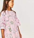 Robe d'impression de l'univers de la fille avec la chemise de la France