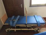 立つことのための電気医学の傾くベッド