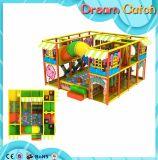 Campo da giuoco dell'interno di asilo stabilito del gioco del bambino