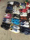 As sapatas de segunda mão de alta qualidade usado calçado de homens/mulheres em segunda mão de calçado