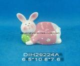 Supporto di ceramica dipinto a mano dell'uovo del coniglio per la decorazione di Pasqua