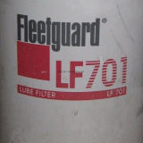 Fleetguard Oil Filter Lf701 Equipamentos: Bobcat, Caterpillar, Claas, JC Bamford, Landini, Massey Ferguson, New Holland, Vermeer, Volvo Equipment; Perkins