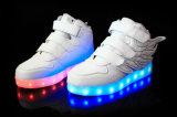 Hip-Hop Soft Light Weight Leisure Sports Sapatos respiráveis para LED Kids com tamanhos múltiplos