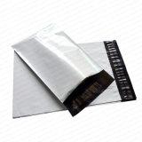 Bolsa económica de envío blanco con cinta autoadhesiva