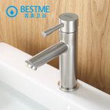 La piattaforma ha montato il rubinetto del bacino dell'acciaio inossidabile 304 per la stanza da bagno (BMS-B1001)