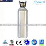 Cilindro de alumínio portátil pequeno do CO2 com válvula e punho/tampão