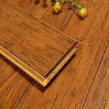 Plancher en bambou tissé par brin balayé carbonisé