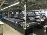 CNC automática Máquina de corte de tejido de tela para personalizar el T-Shirt y palo