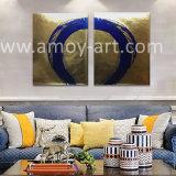 青い円の概要の絵画が付いている豪華な金ホイルの背景