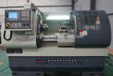El precio bajo cama plana China máquina de torno CNC (CK6136A-2)