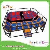 Trampoline de salto da base com corrediças para do centro do jogo de crianças