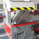 Guichet en aluminium et machine de découpage de porte