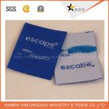 Personalizzare il contrassegno d'abbigliamento stampato dell'autoadesivo tessuto modifica di servizio di stampa dell'indumento