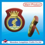 Trophée en bois de médaille à base de bois de plaque métallique de médaillon de couronne d'or