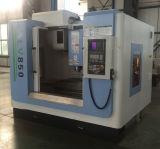 가득 차있는 울안 기계 가드 CNC 축융기 공장