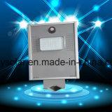 IP65 imperméable à l'eau extérieur a intégré tous dans une lumière solaire 6W de rue