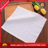 航空会社Nonwovenタオルの高品質の航空タオルの使い捨て可能で熱いタオル