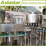 Imbottigliatrice di riempimento automatica dell'acqua della pianta dell'acqua di bottiglia 500ml
