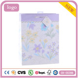 Blumen-Muster-purpurrotes Bekleidungsgeschäft-Geschenk-Papierbeutel