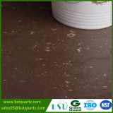 Pedra artificial de quartzo de Brown do café com veias douradas
