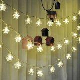 Lumière décorative actionnée solaire de chaîne de caractères de Noël de flocon de neige pour l'usager, la pelouse et le jardin