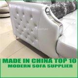 水晶ボタンの装飾が付いている方法ステンレス鋼の足の革ソファー