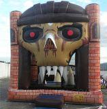 Het opblaasbare Opblaasbare Kasteel van Halloween, achtervolgt het Huis van de Verbindingsdraad (B1158)