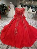 Une ligne robe de mariage fabriquée à la main rouge de talons de robe de bille