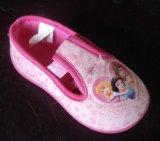 注入の子供の靴