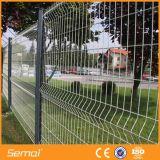 PVC構築のための上塗を施してあるワイヤーパネルの塀